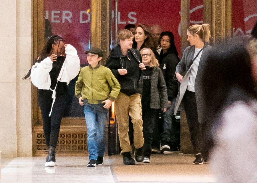 Angelina Jolie et ses enfants à New York le 23 février 2019
