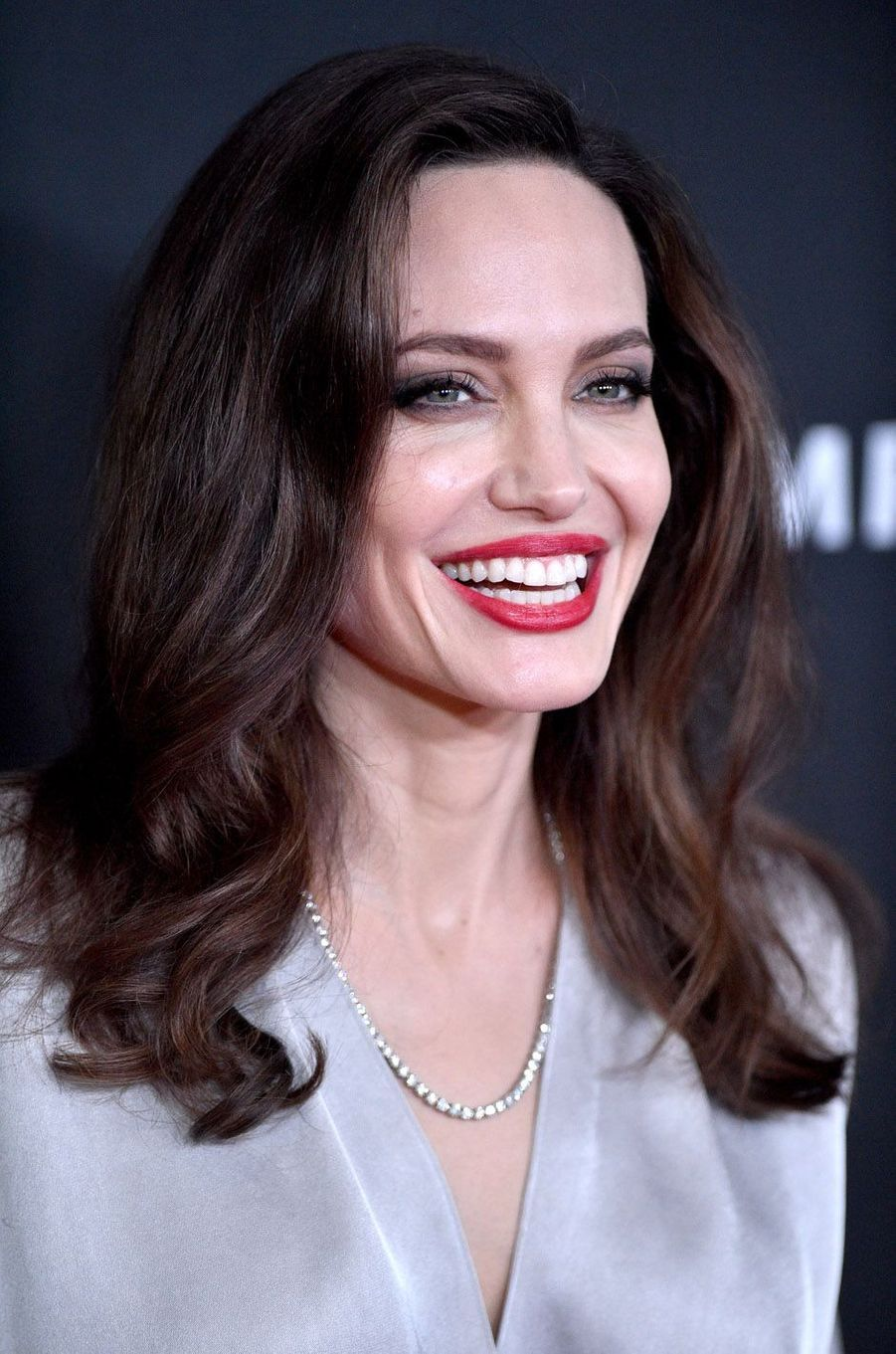 Angelina Jolie à la cérémonie des Hollywood Film Awards à Beverly Hills, le 5 novembre 2017.