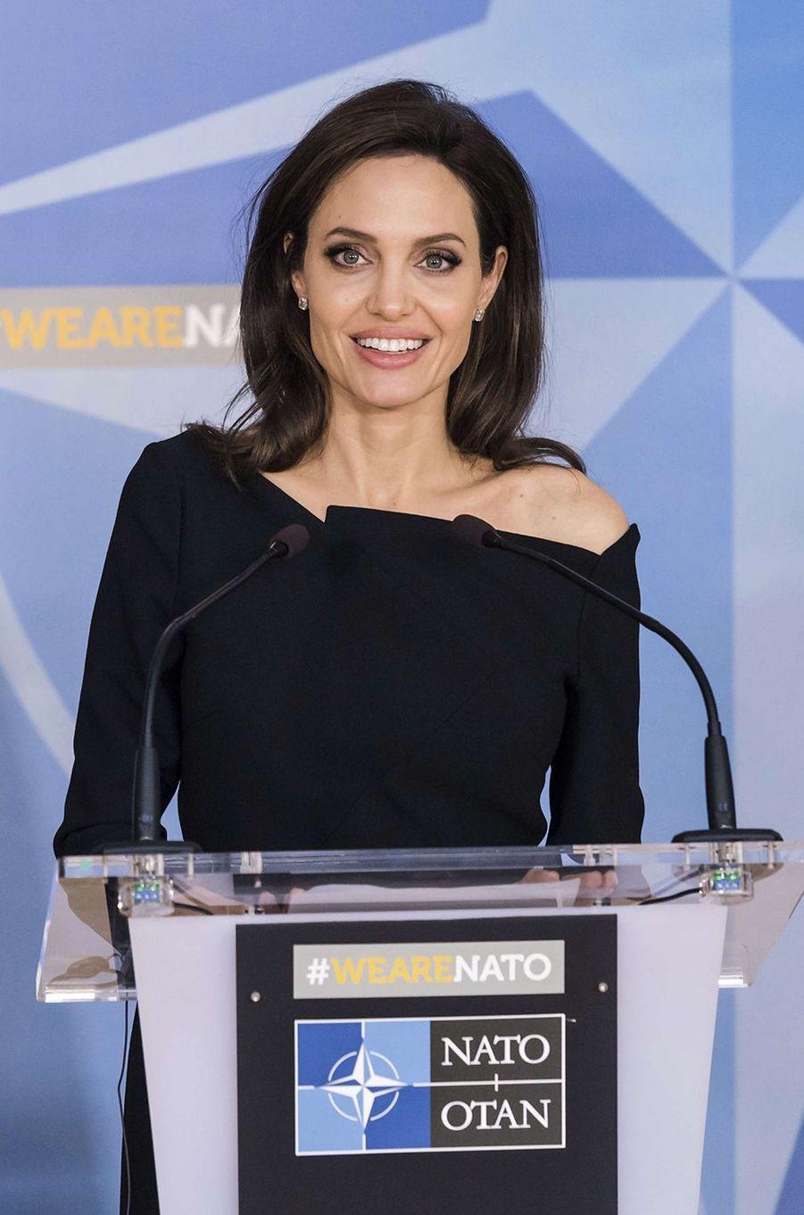 Angelina Jolie au siège de l'OTAN à Bruxelles, le 31 janvier 2018.