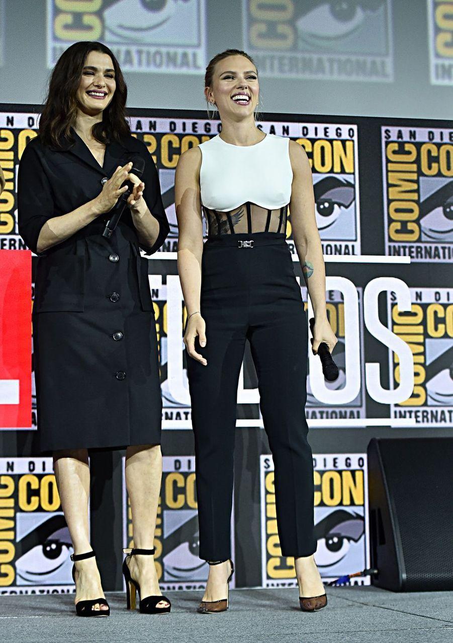 Rachel Weisz et Scarlett Johanssonau Comic-Con à San Diego le 20 juillet 2019