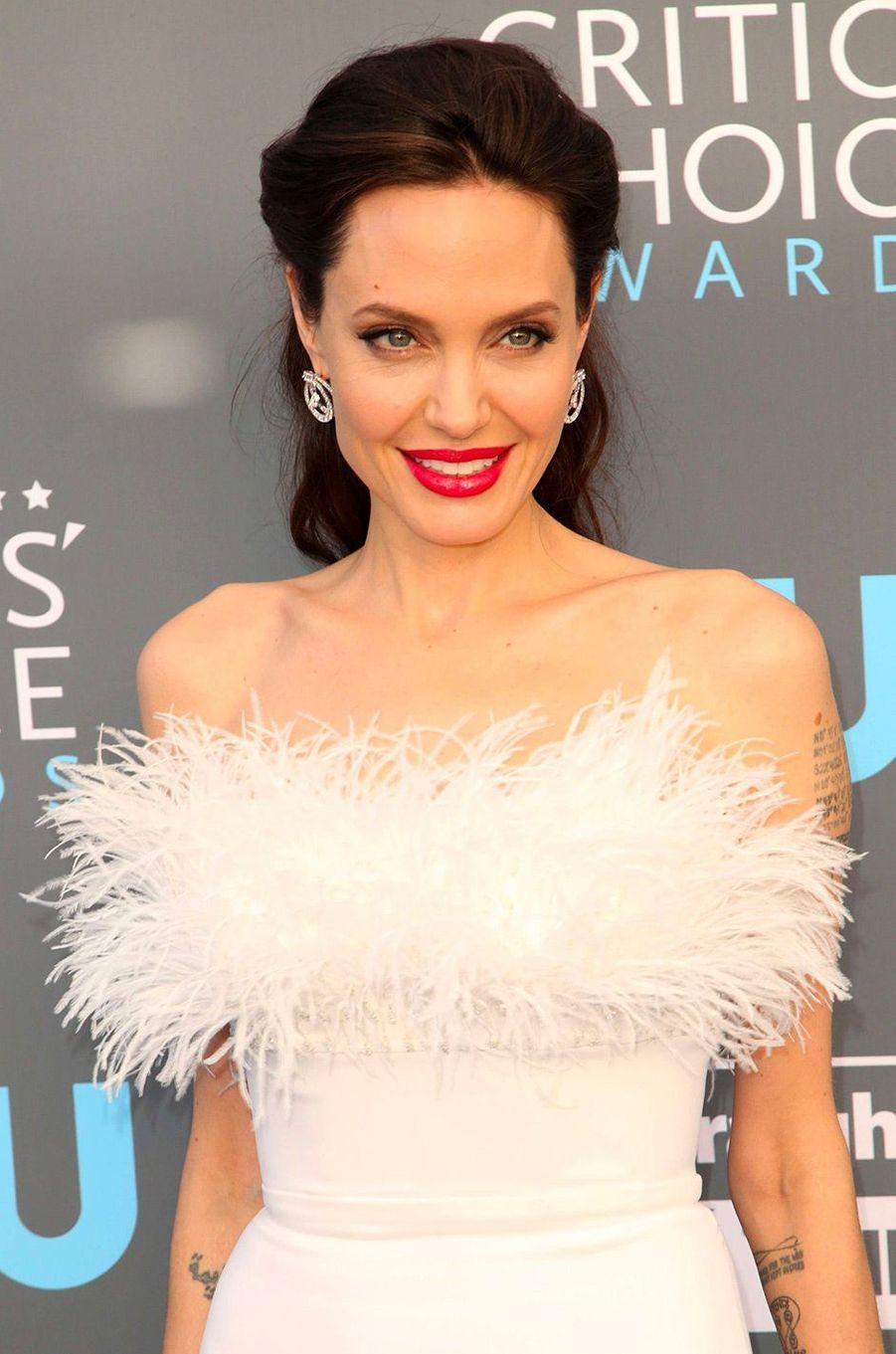 Angelina Jolie aux Critics Choice Awards
