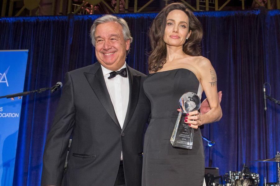 Angelina Jolie récompensée par Antonio Guterres, secrétaire général de l'ONU pour son travail humanitaire