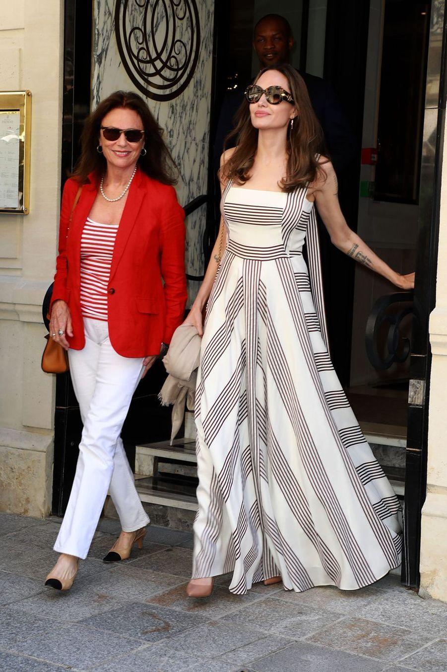 Jacqueline Bisset et Angelina Jolie à Paris le 9 juillet 2019