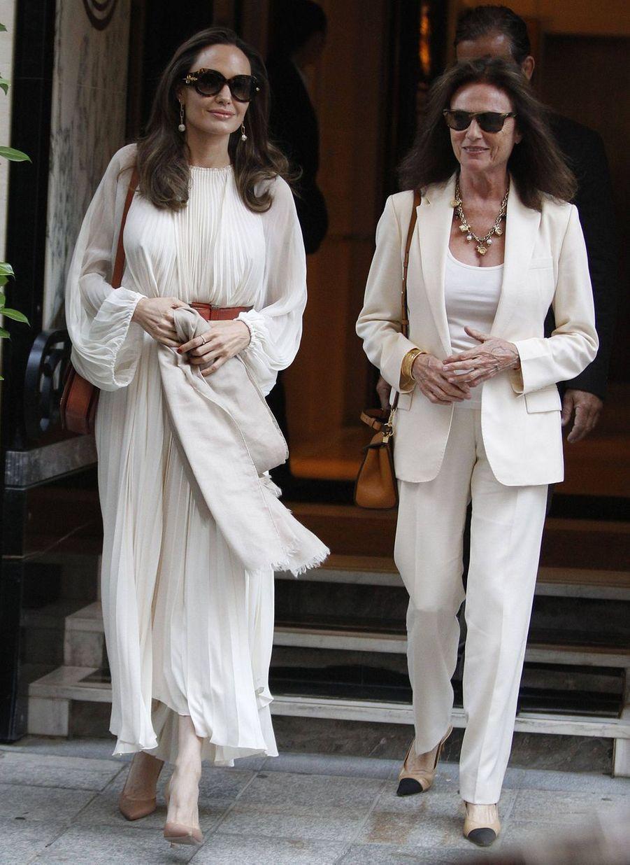 Angelina Jolie et Jacqueline Bisset à Paris le 8 juillet 2019