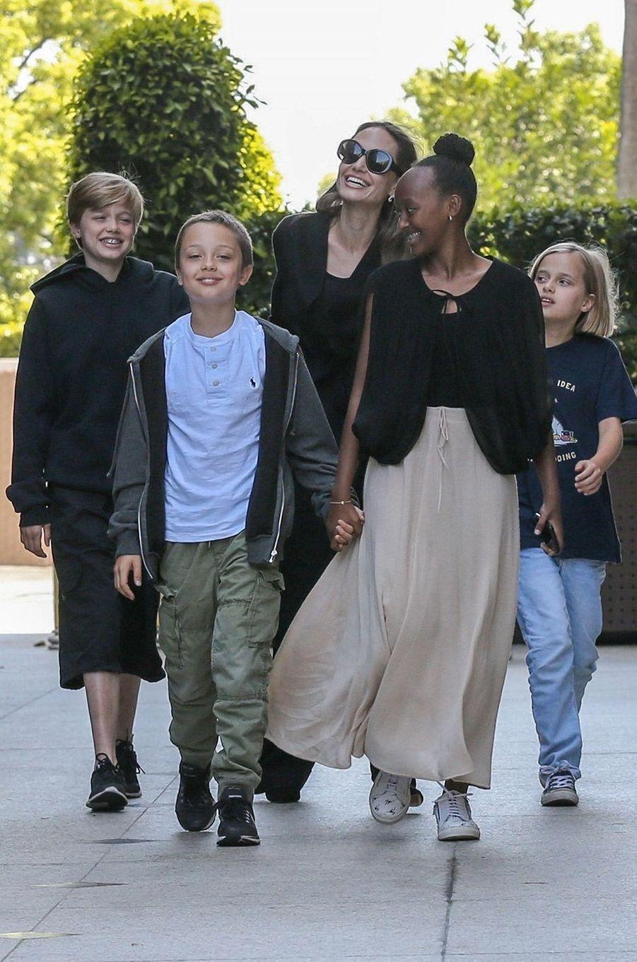 Angelina Jolie et ses enfants à Los Angeles, samedi 18 août
