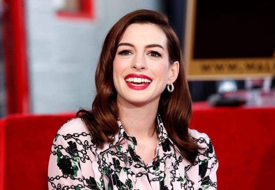 Anne Hathaway reçoit son étoile à Hollywood le 9 mai 2019