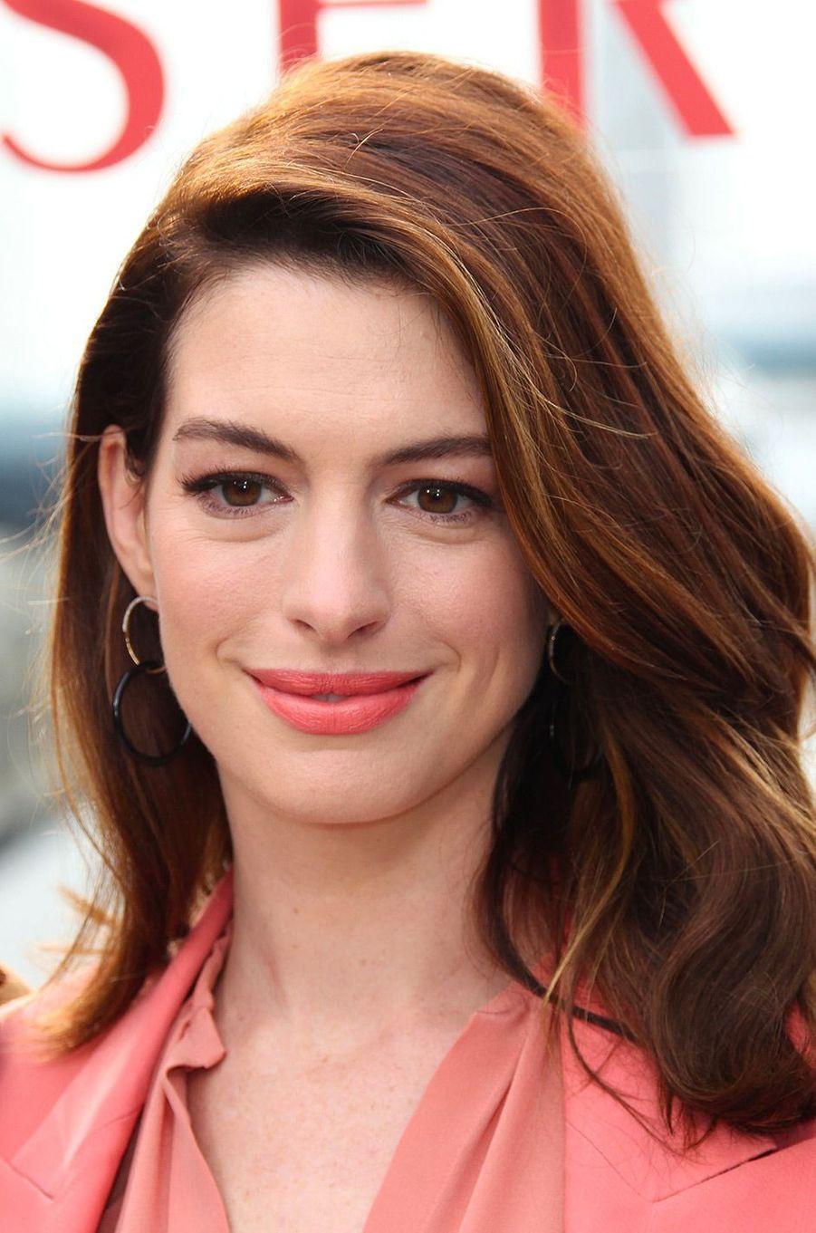"""Anne Hathaway à la première de """"Serenity"""" à Los Angeles, vendredi 11 janvier"""
