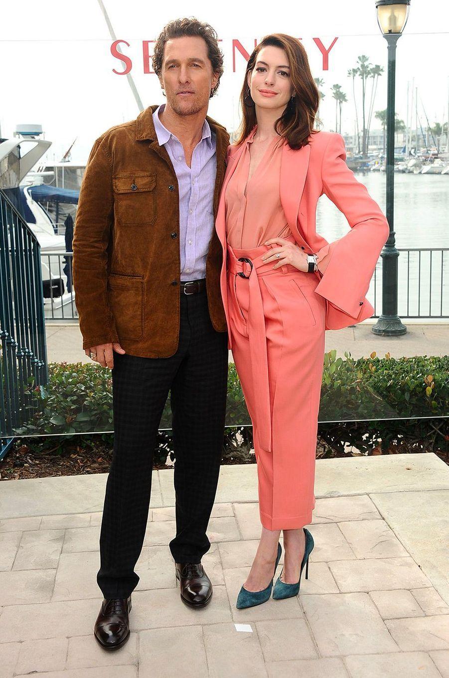 """Anne Hathaway et Matthew McConaughey à la première de """"Serenity"""" à Los Angeles, vendredi 11 janvier"""