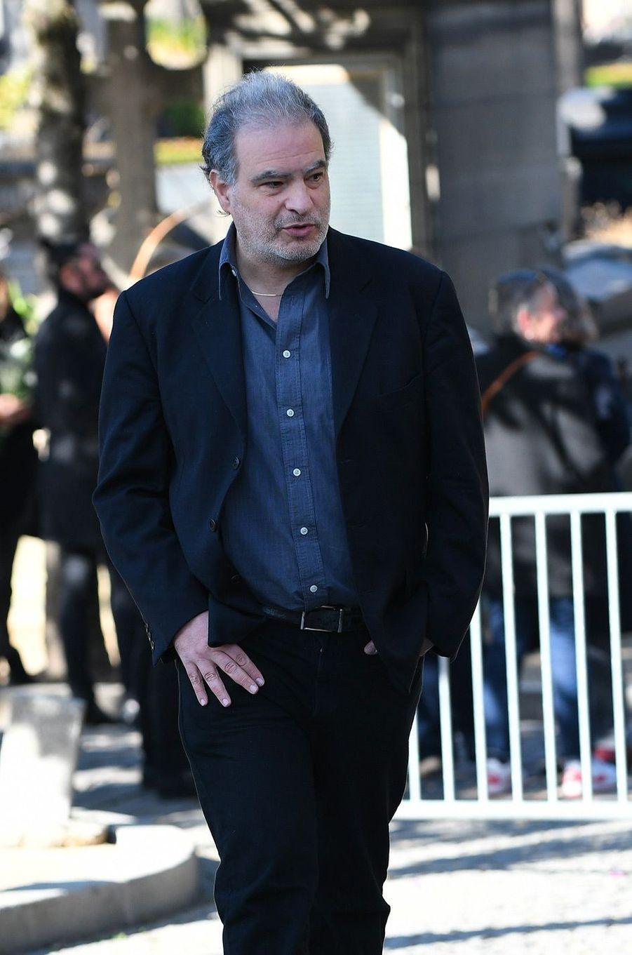 Raphael Mezrahi aux obsèques de Philippe Gildas au Père Lachaise, à Paris, lundi 5 novembre
