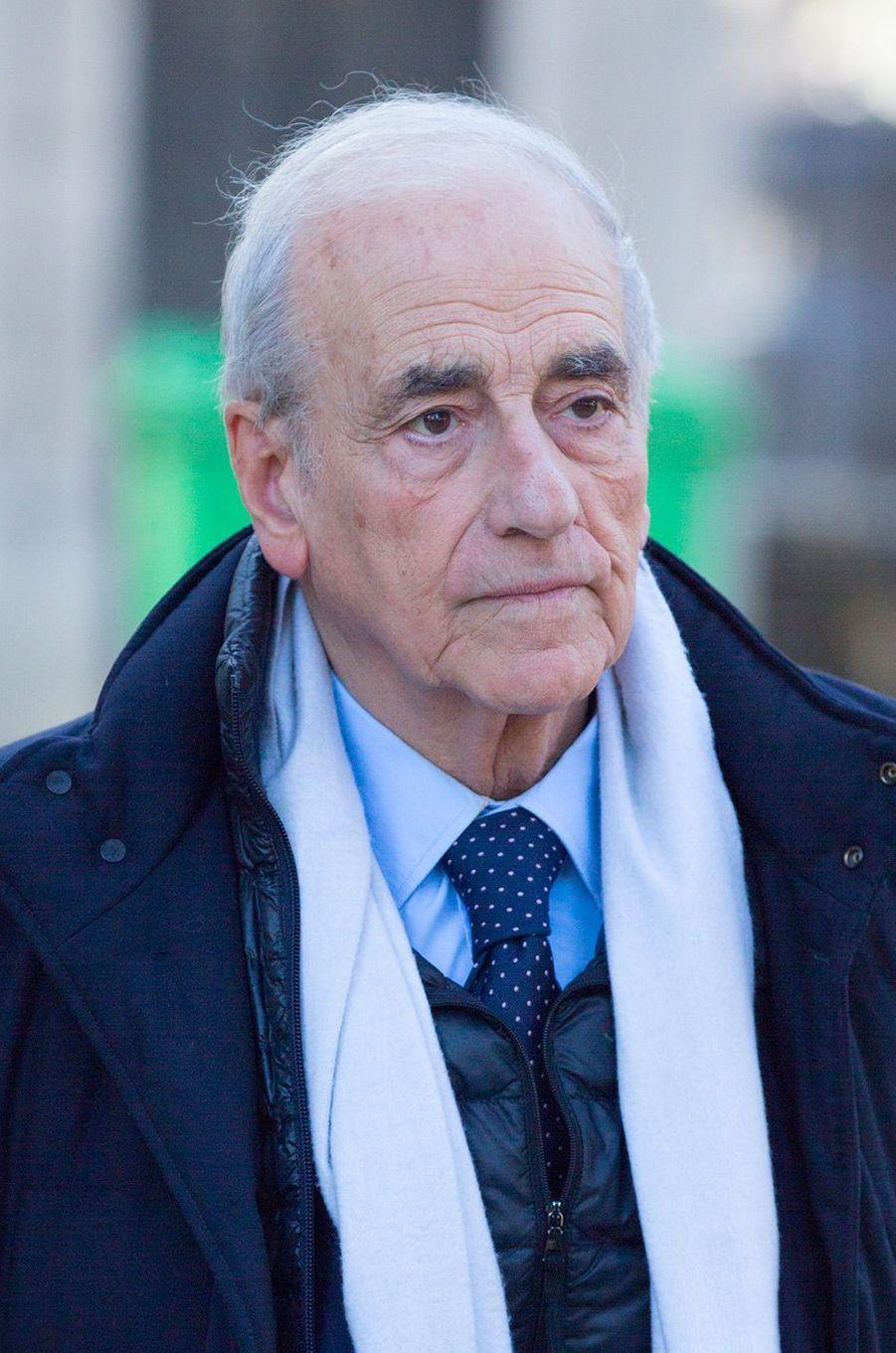Jean-Pierre Elkabbach aux obsèques de Philippe Gildas au Père Lachaise, à Paris, lundi 5 novembre