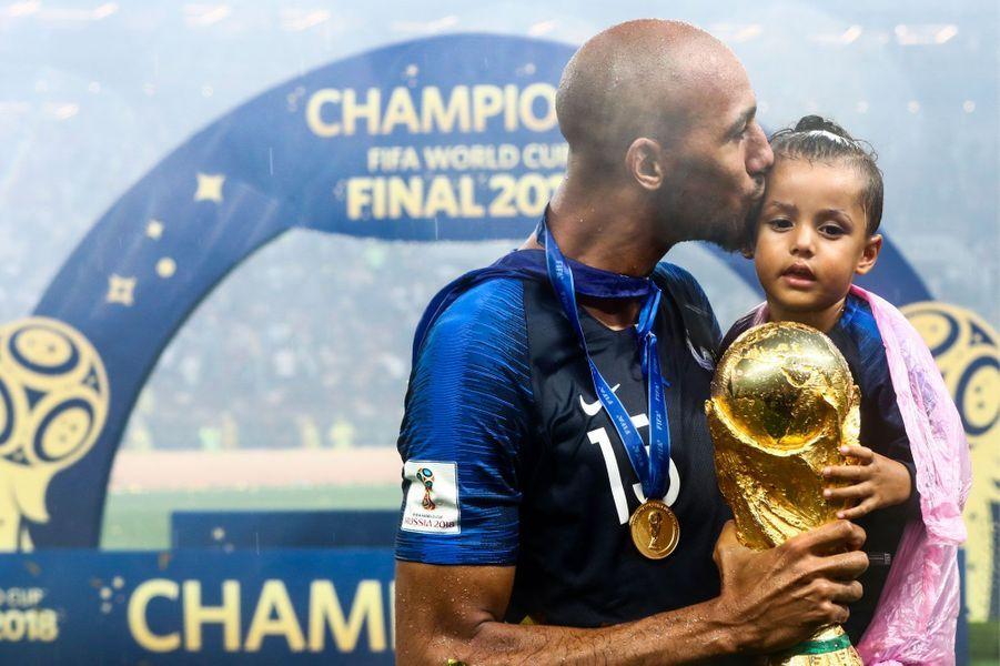 Steven Nzonzi avec sa fille