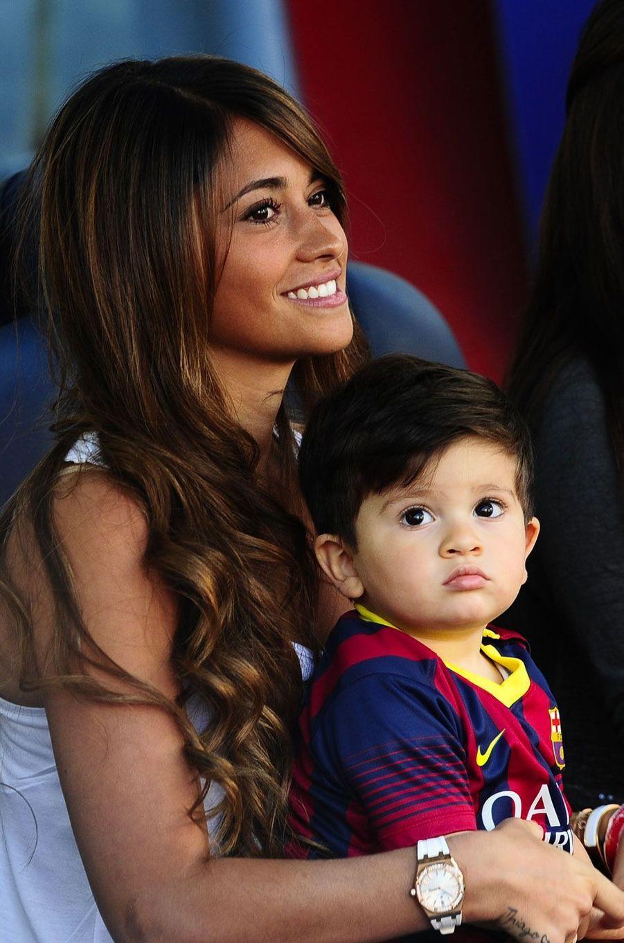 Antonella Roccuzzo et son fils en 2014