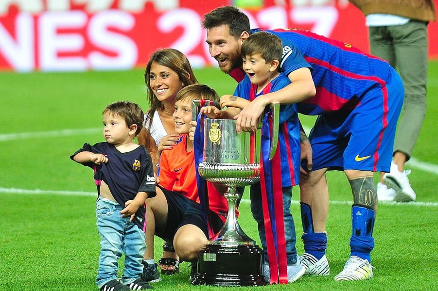 Lionel Messi et Antonella Roccuzzo en famille en 2017