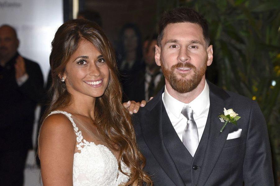 Lionel Messi et Antonella Roccuzzo lors de leur mariage le 30 juin 2017
