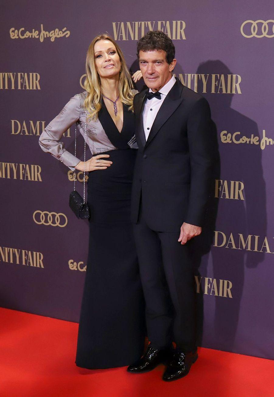 """Antonio Banderas et sa femme Nicole Kimpelà la cérémonie """"Vanity Fair Personality of the Year Awards 2019"""" à Madrid, le 25 novembre 2019."""