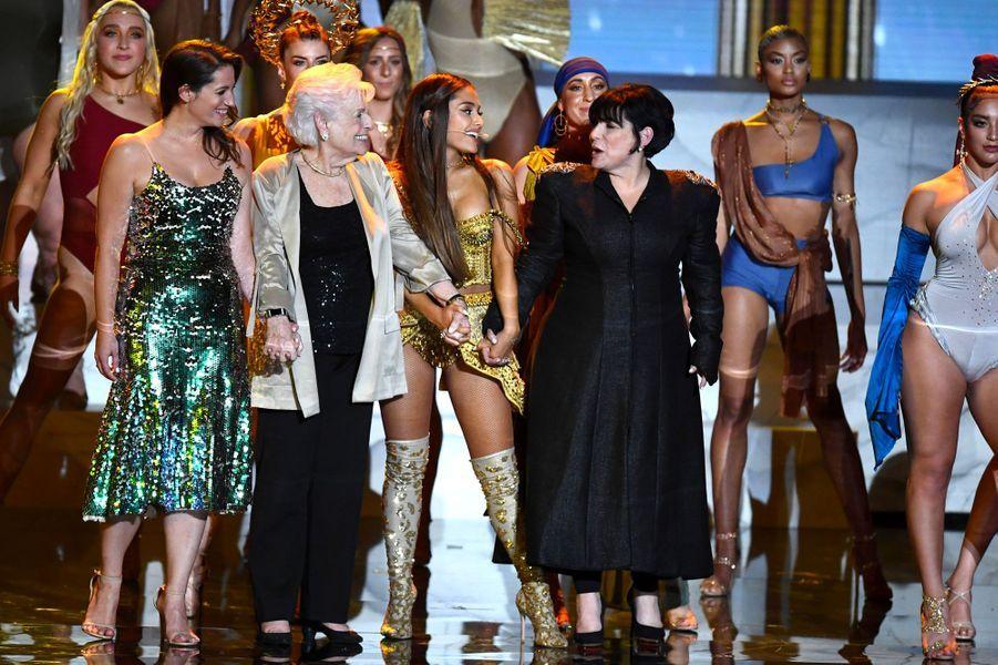 Lani Grande, Marjorie Grande, Ariana Grande et Joan Grande aux MTV Video Music Awards, le 20 août 2018