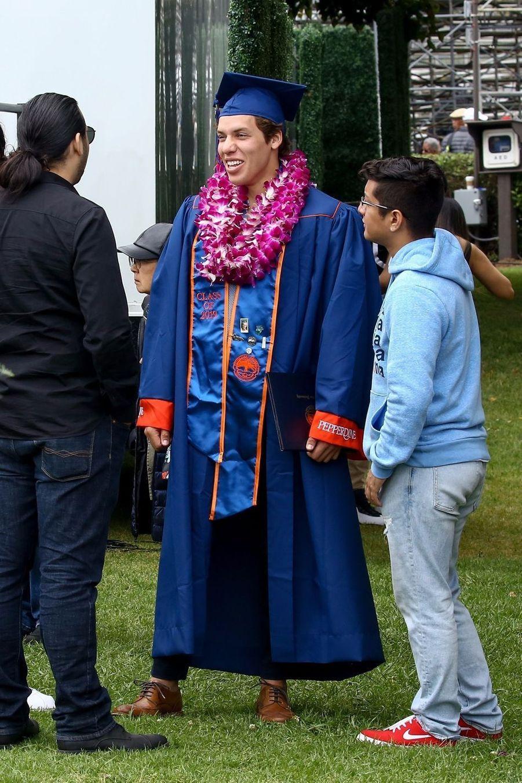 Joseph Baena, le fils d'Arnold Schwarzenegger, à sa remise de diplôme à Malibu le 27 avril 2019