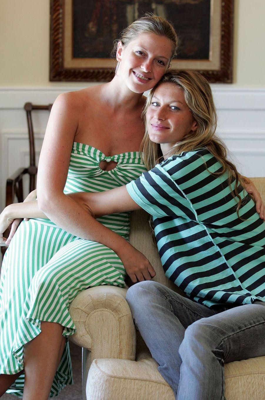 Gisele Bundchen et sa soeur jumelle Patricia