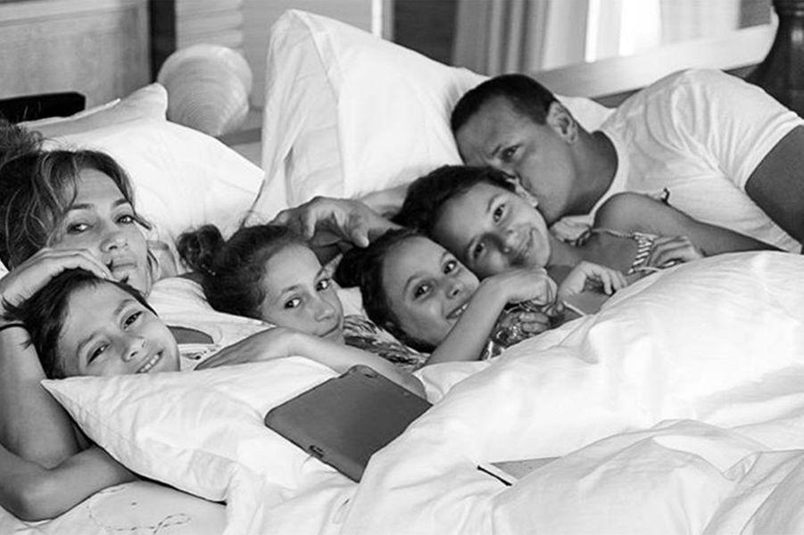 Jennifer Lopez, ses enfants, son compagnon Alex Rodriguez et ses deux fillesNatasha et Ella