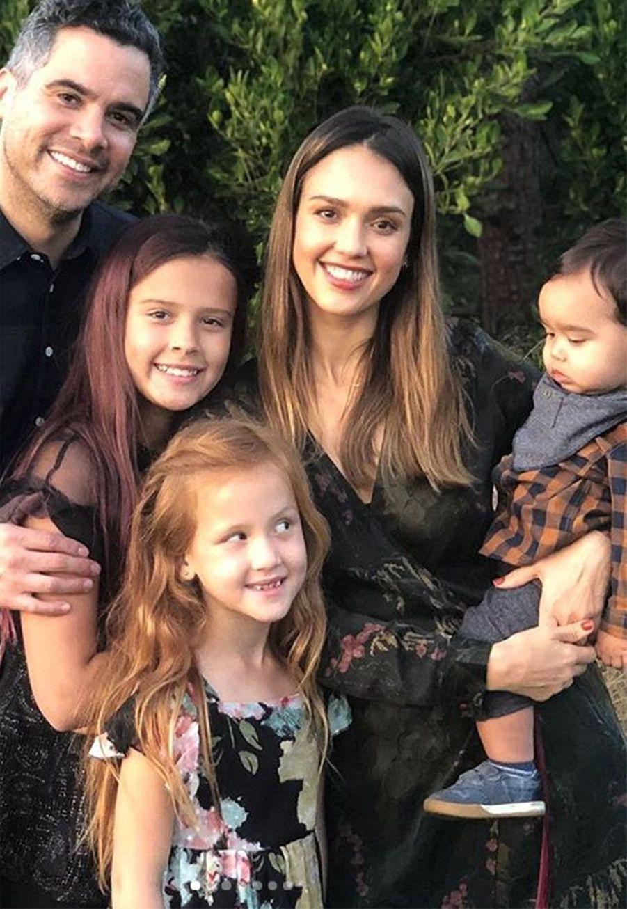 Jessica Alba, son mariCash Warren et leurs trois enfantsHonor, Haven et Hayes