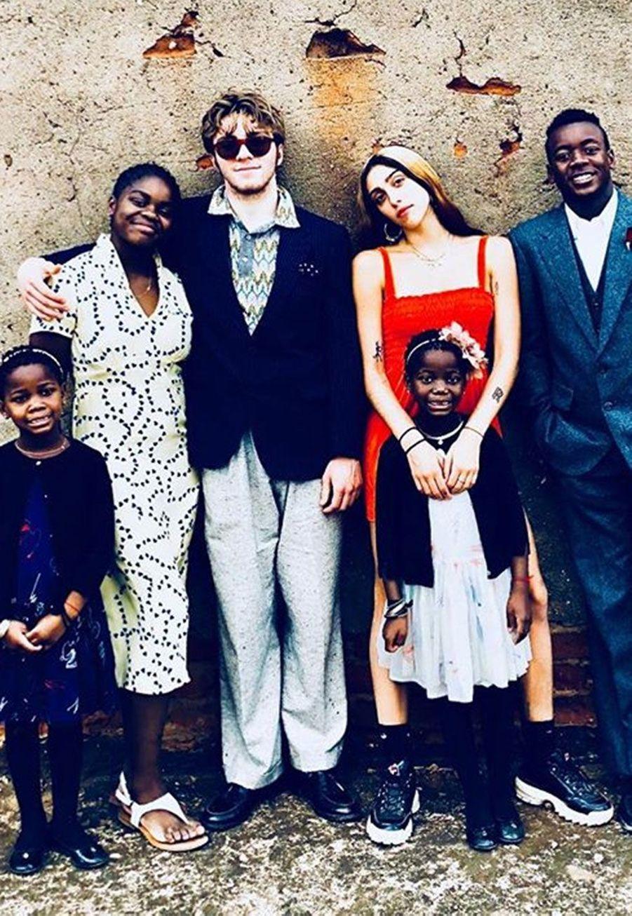 Madonna photographie ses enfants Lourdes, Rocco, David, Mercy, Stella et Estere