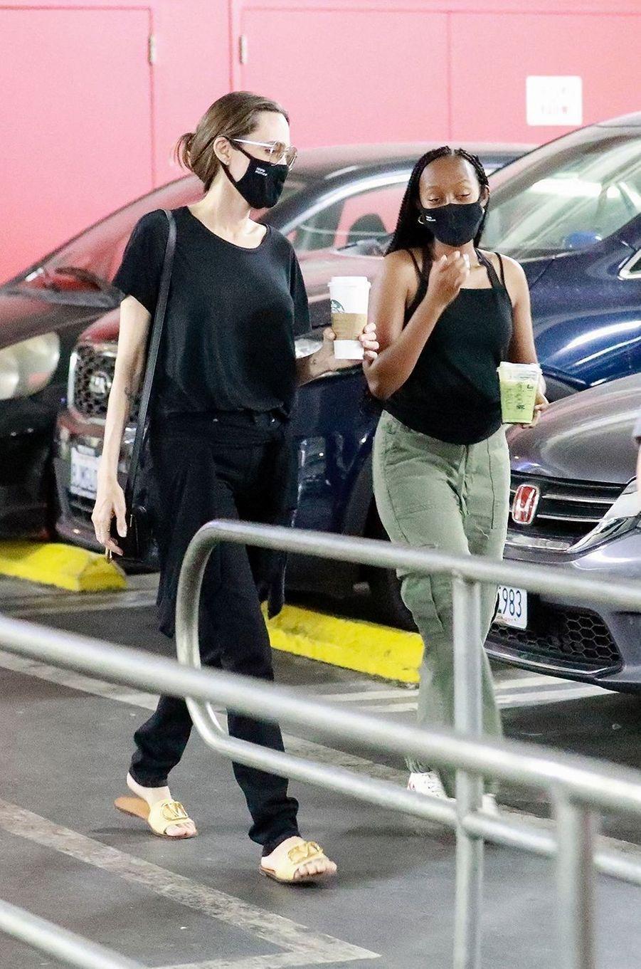 Angelina Jolie et sa fille Zaharaà Los Angeles le 19 septembre 2020