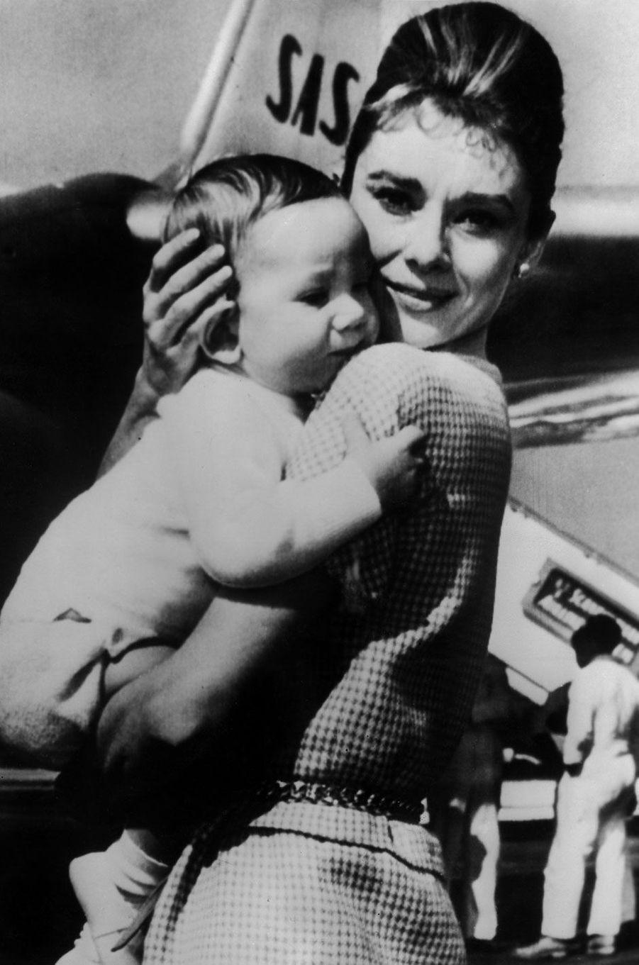 Audrey Hepburn et son fils en 1960