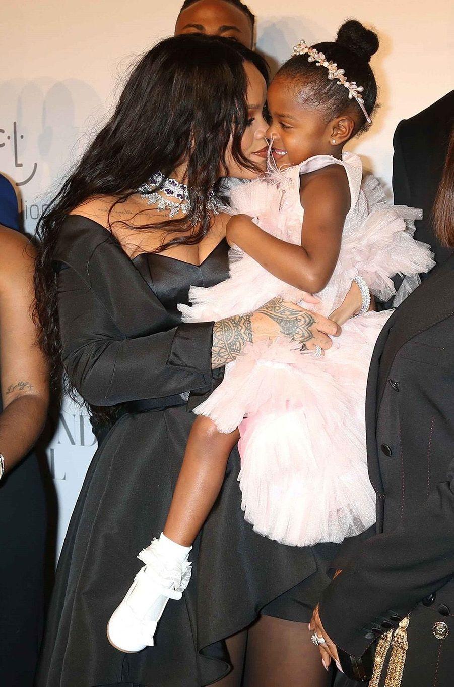 Rihanna avec sa nièce au Diamond Ball à New York, le 14 septembre 2017.