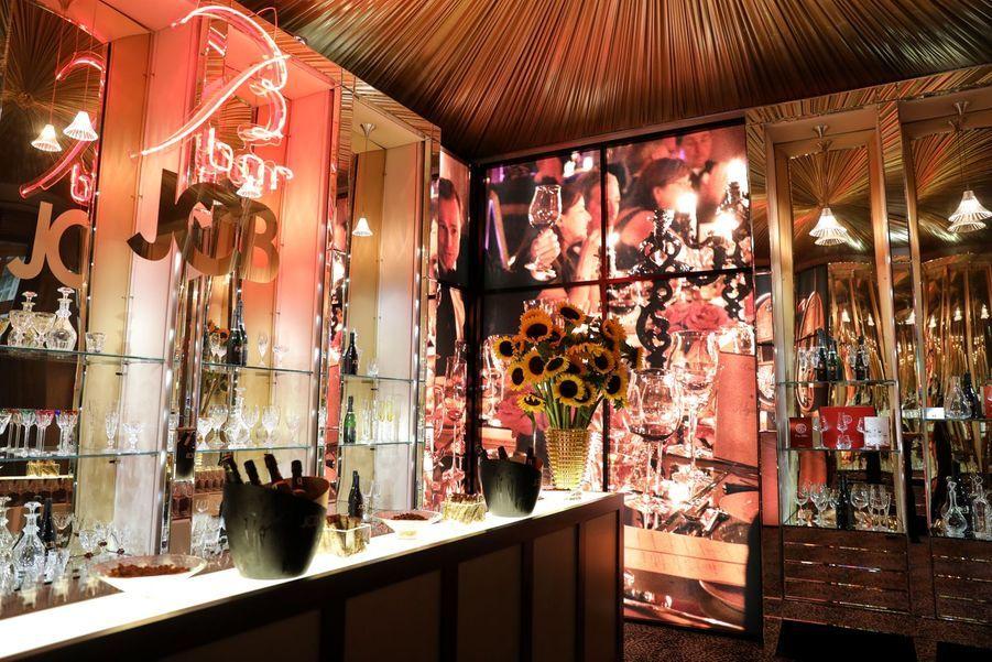 L'ancienne verrerie de carreaux et de miroirs s'est au fil des ans transformée en manufacture de luxe.