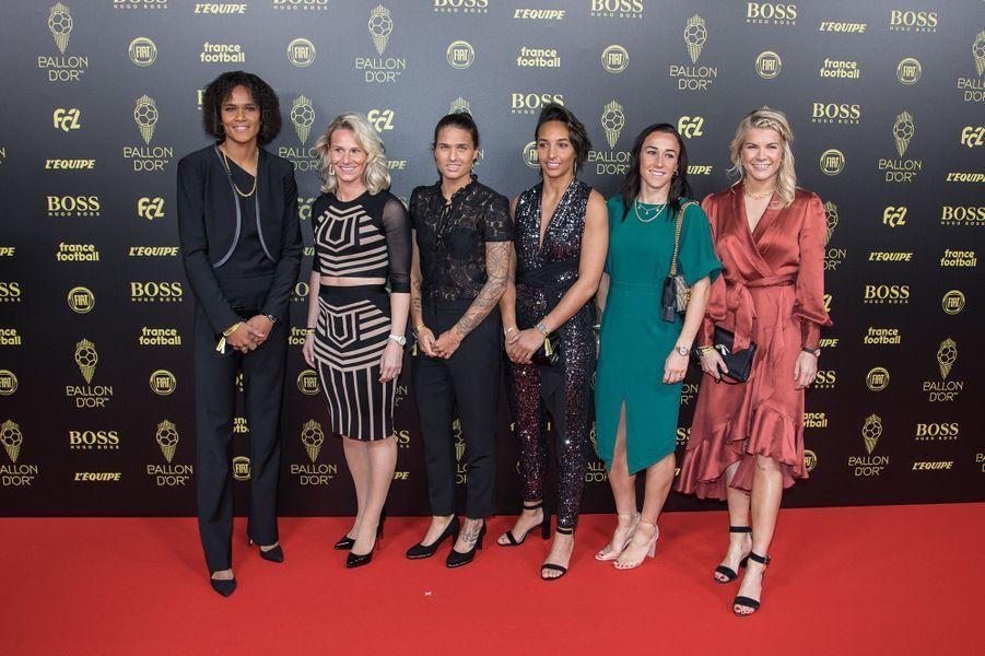 Wendie Renard, Amandine Henry, Dzsenifer Marozsan, Jean-Michel Aulas, Sarah Bouhaddi, Lucy Bronze et Ada Hegerbergà la cérémonie du Ballon d'Or 2019 à Paris le 2 décembre 2019
