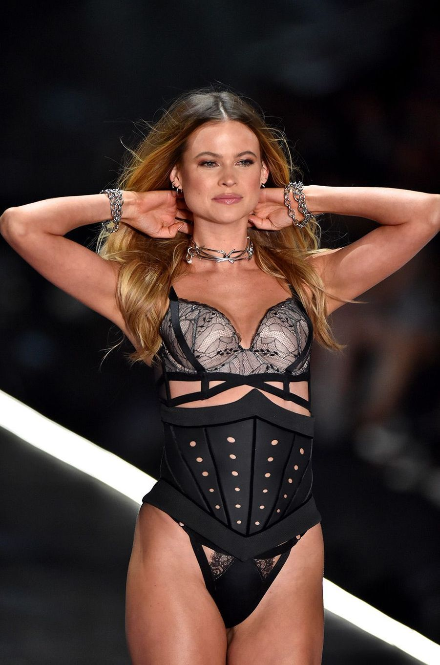 Behati Prinsloo au défilé Victoria's Secret 2018, à New York, jeudi 8 novembre