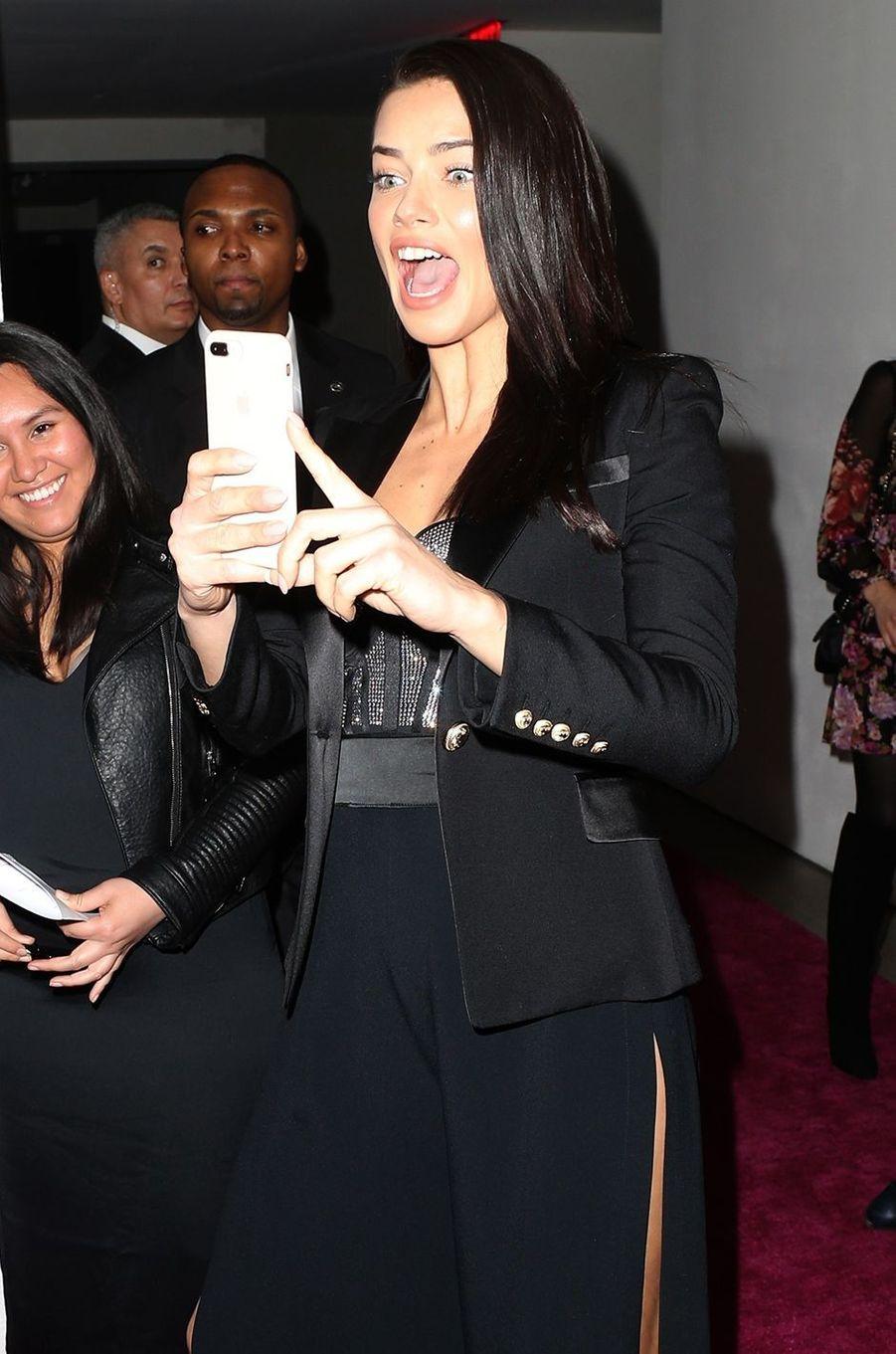 Adriana Lima à New York, le 28 novembre 2017.