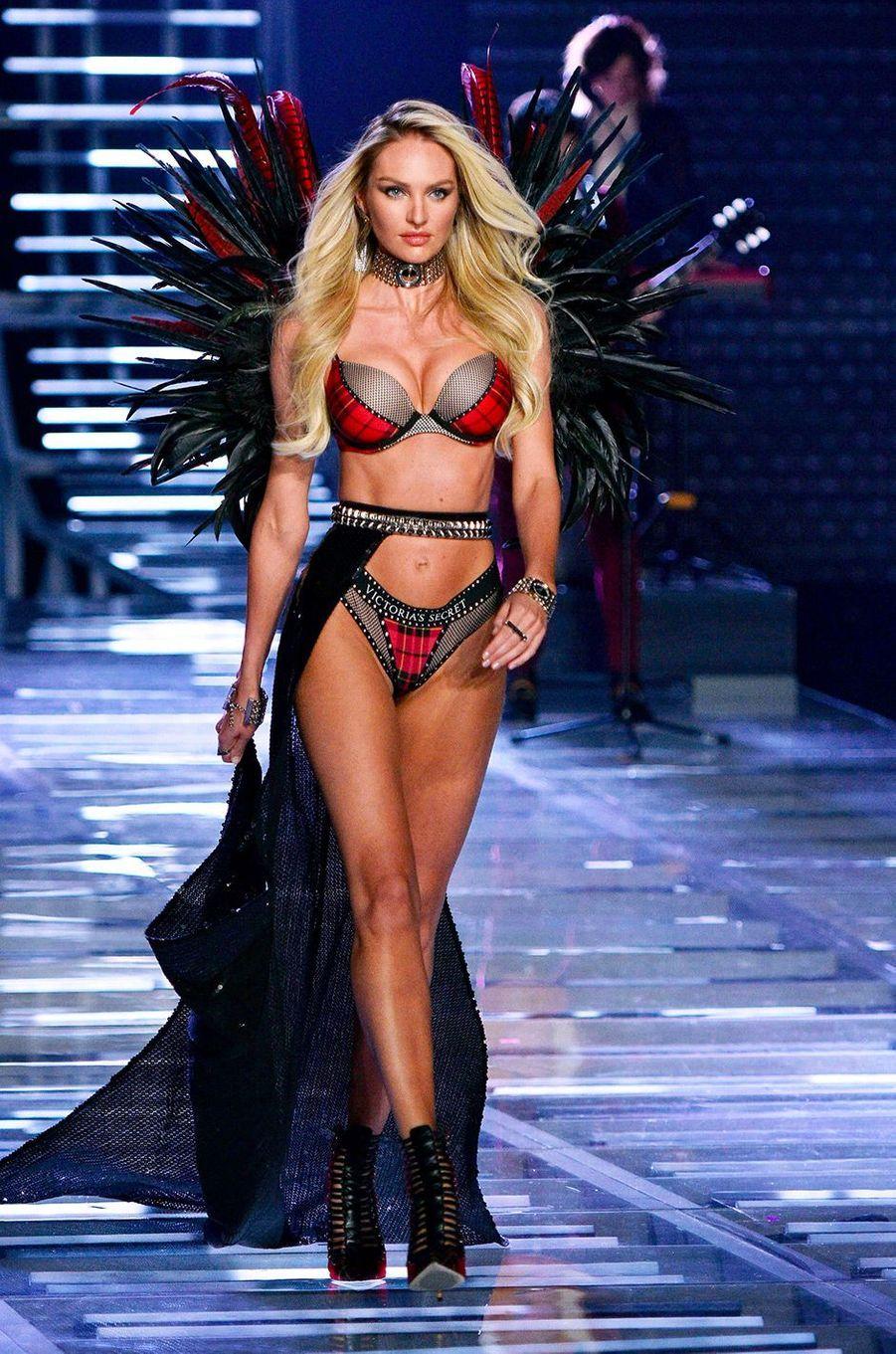 Candice Swanepoel au Victoria's Secret Fashion Show à Shanghai