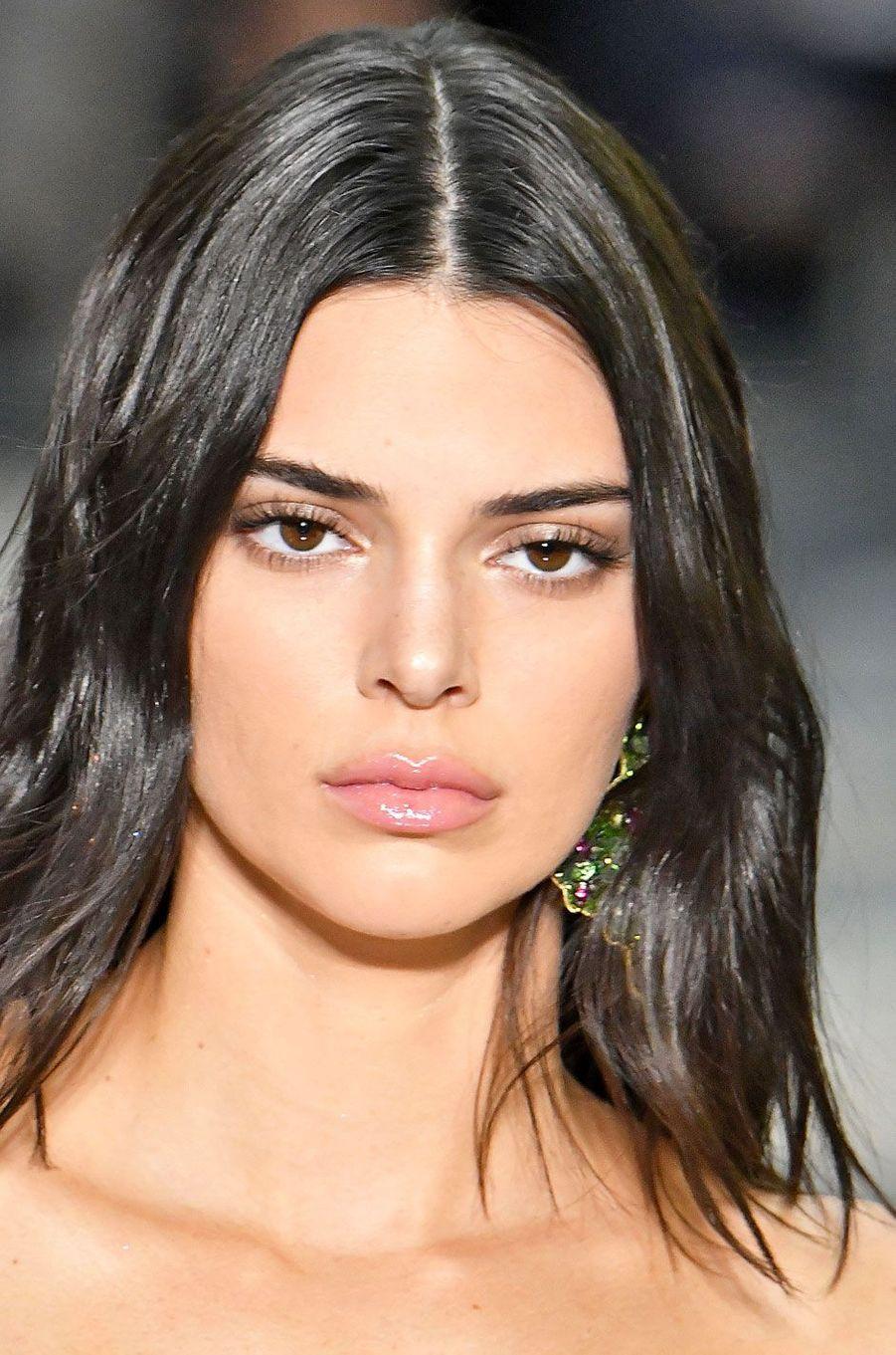 Kendall Jenner au défilé Versace à Milan le 16 juin 2018
