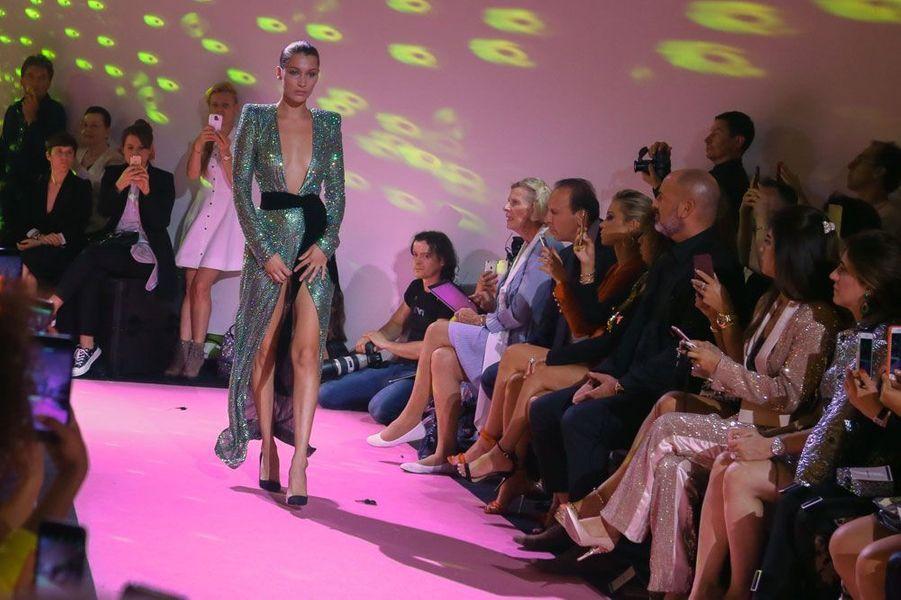 Bella Hadid au défilé Alexandre Vauthier