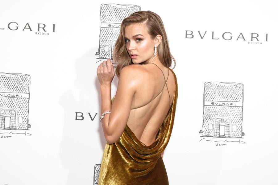 Josephine Skriver lors de l'inauguration de la nouvelle boutique Bulgari à New York, le 20 octobre 2017.