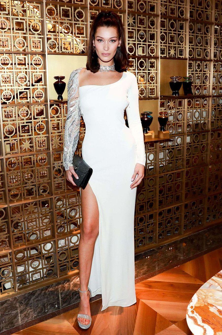 Bella Hadid, reine de la soirée Bulgari, à New York, le 20 octobre 2017.