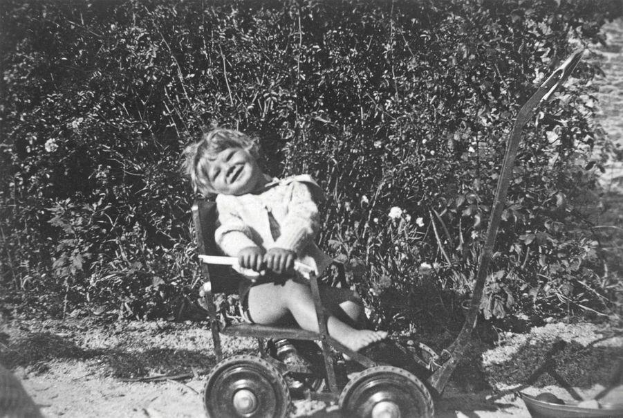 Premier bolide, à Clairefontaine, avant la guerre.