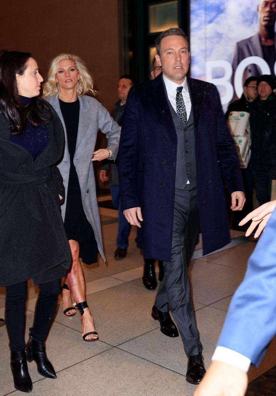 """Ben Affleck et Lindsay Shookus à l'avant-première du film """"Triple frontière"""" à New York le 3 mars 2019"""
