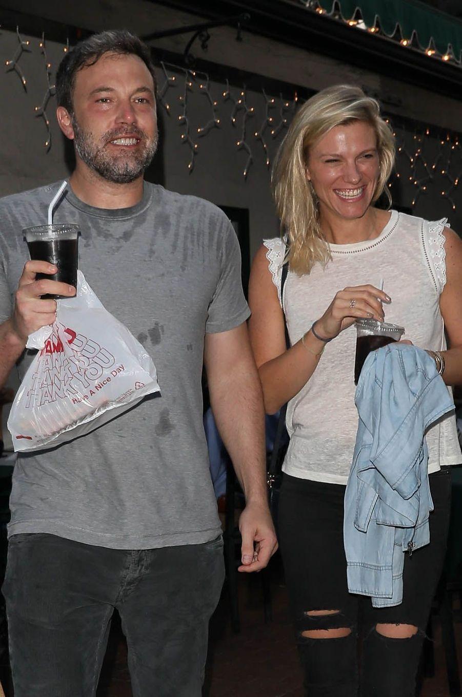 Ben Affleck et Lindsay Shookus à Los Angeles, le 10 juillet 2017.