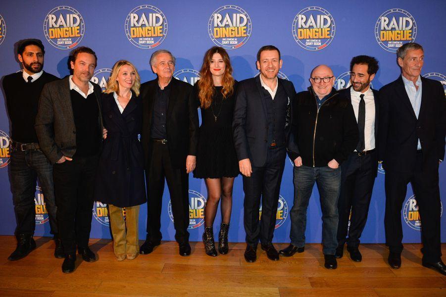 L'équipe du film (de gauche à droite) :Akim Omiri, Patrick Mille, Anne Marivin, Alain Doutey, Alice Pol, Dany Boon, Michel Blanc, Florent Peyre et François Levantal.