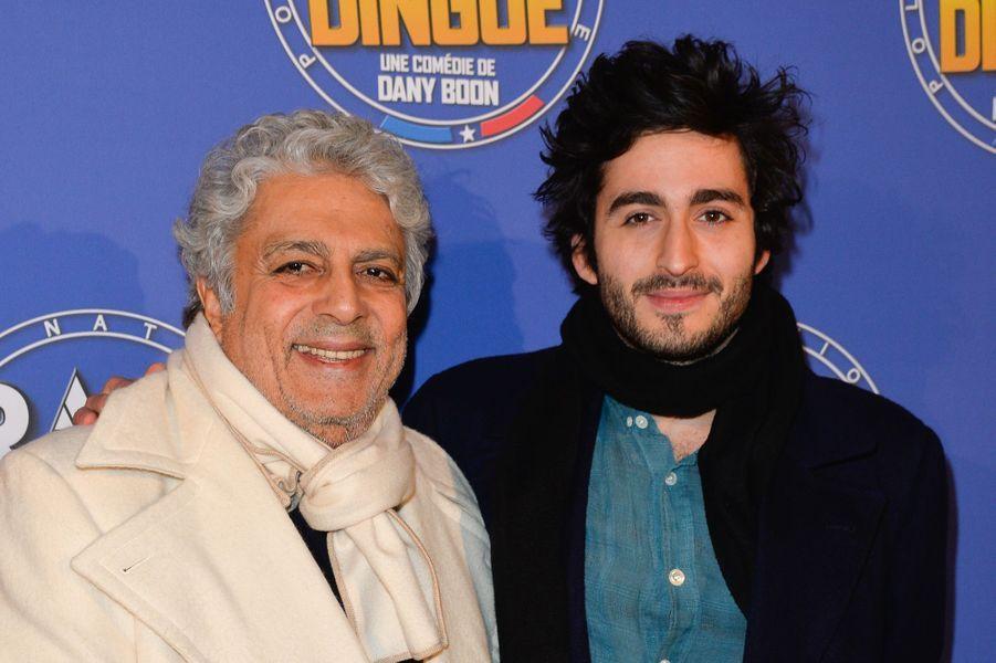 Enrico Macias avec son petit-fils Symon Milshtein.
