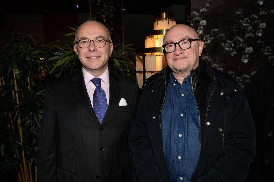 Bernard Cazeneuve et Michel Blanc, lors de l'after-party au restaurant Bermuda Onion.