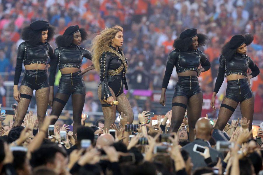 Show de mi-temps du SuperBowl pour Beyoncé, en février 2016.