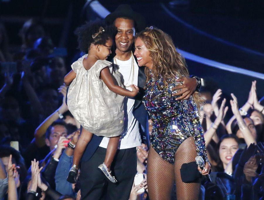 Beyoncé et Jay-Z avec leur fille Blue Ivy lors des MTV Video Music Awards 2014