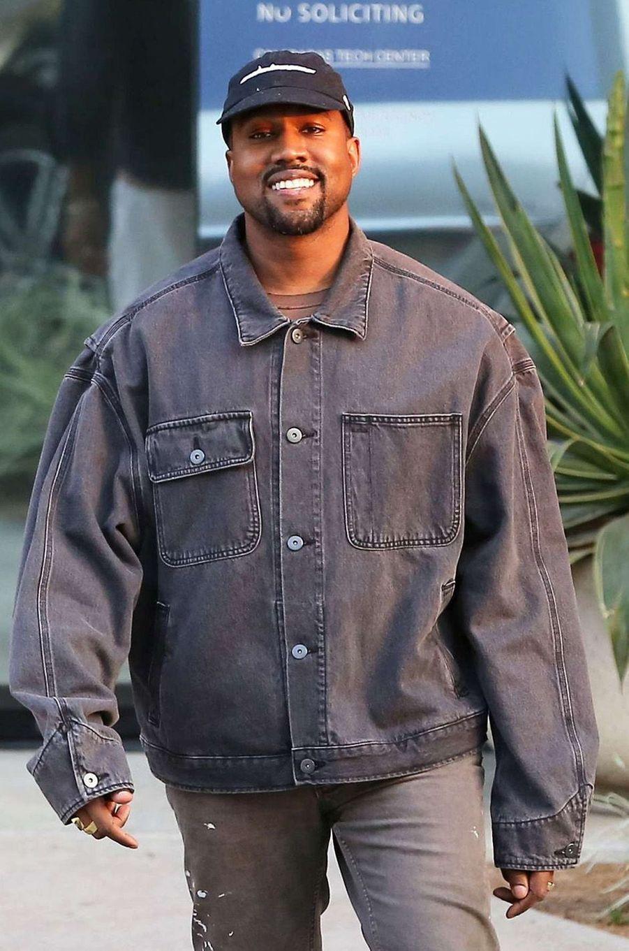 Kanye West était... vendeur.