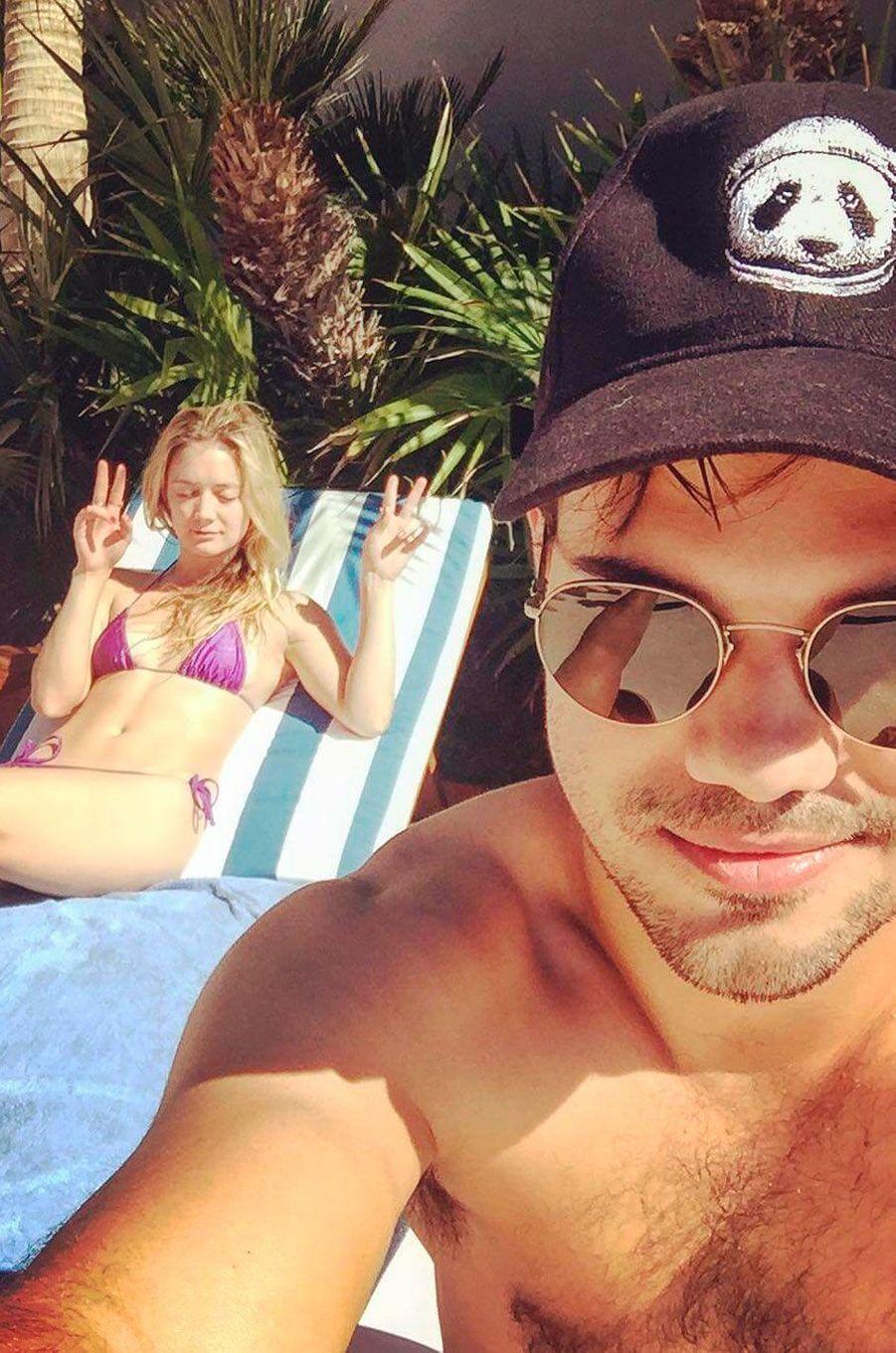 Billie Lourd et Taylor Lautner