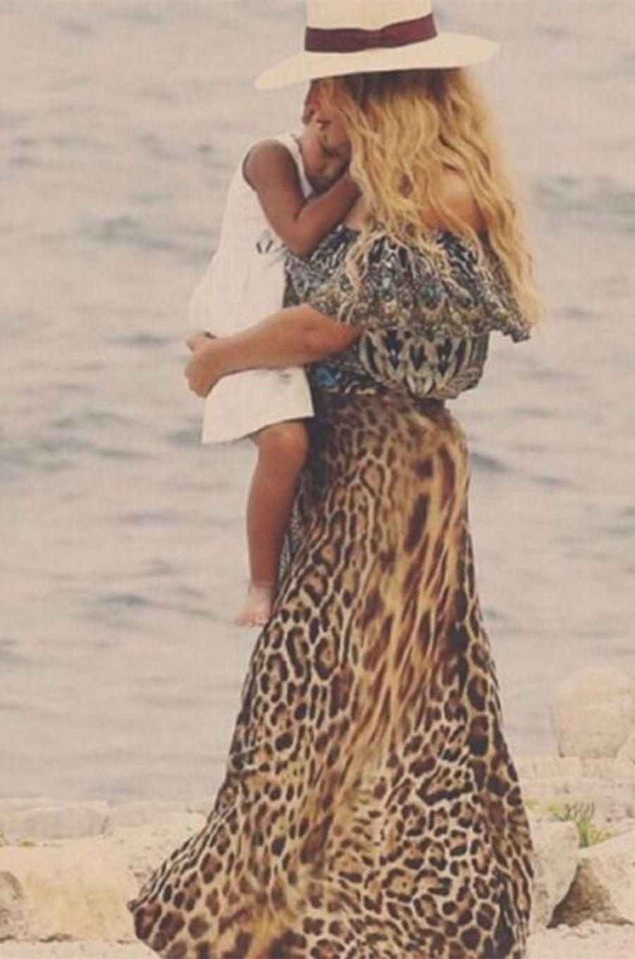 Beyoncé et sa fille Blue Ivy en vacances, été 2015.
