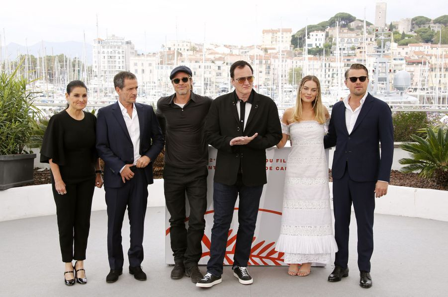 Quentin Tarantino, Margot Robbie, Leonardo DiCaprio, Brad Pitt et les producteurs David Heyman et Shannon McIntosh au photocall du film «Once Upon A Time In Hollywood» à Cannes le 22 mai 2019