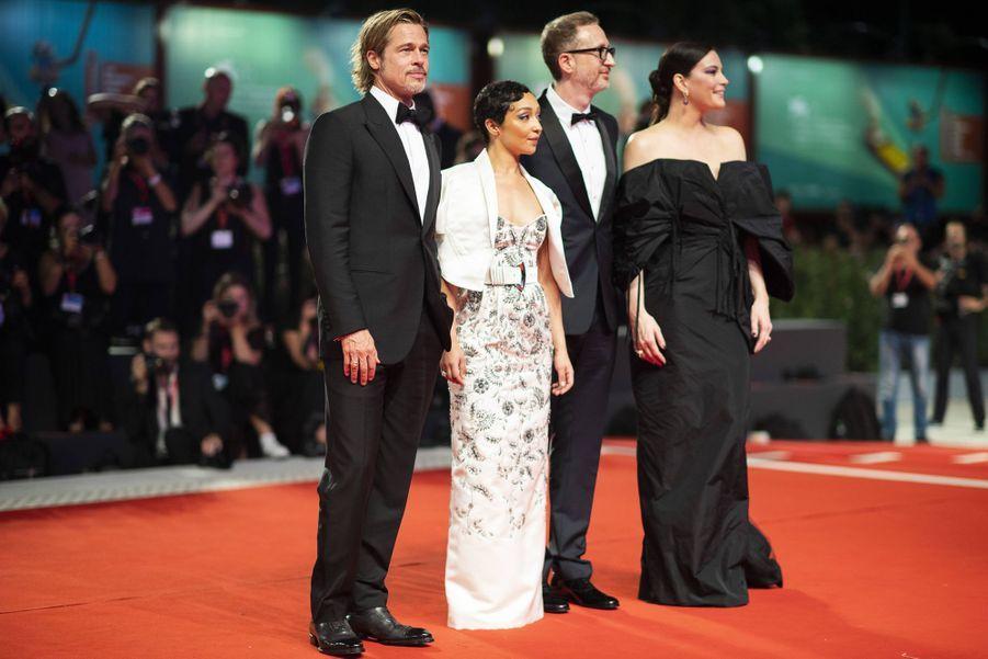 Brad Pitt, Ruth Negga, James Gray et Liv Tylerlors de la première du film «Ad Astra» lors de la 76e édition de la Mostra de Venise le 29 août 2019